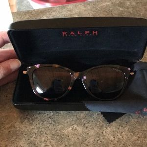 Ralph Ralph Lauren polarized sun glasses